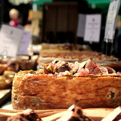 Fig and rose cheesecake on the market stall