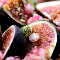 Figs, pistachios and pomegranate seeds