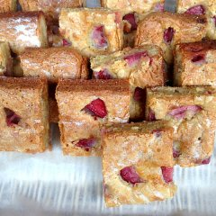 Strawberry and lime blondies