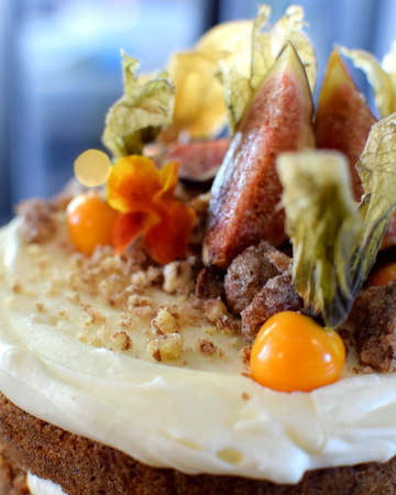 Carrot wedding cake with figs and physalis